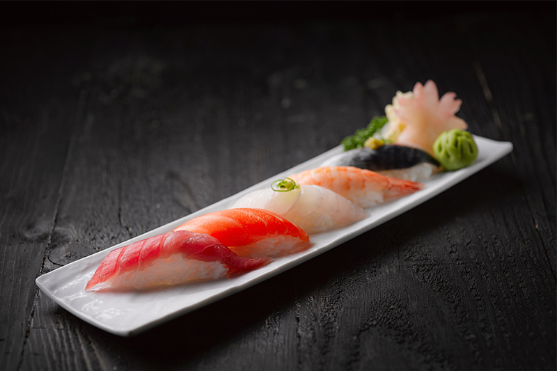 Sushi en licht blond bier